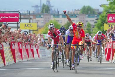 Castroviejo se impone al sprint