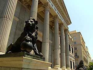 El Congreso de los Diputados está configurado por un complejo de cinco edificios con una superficie de cerca de setenta mil metros cuadrados.