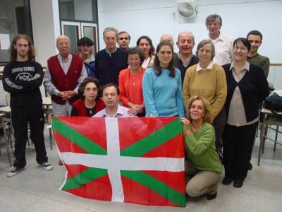 Euskaltzaleak-eko ikasle taldea bere irakasle Sabrina Oteguirekin