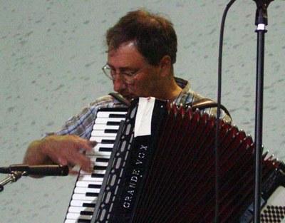 Jean Flesher Bakersfield-en jotzen (argazkia EuskalKultura.com)
