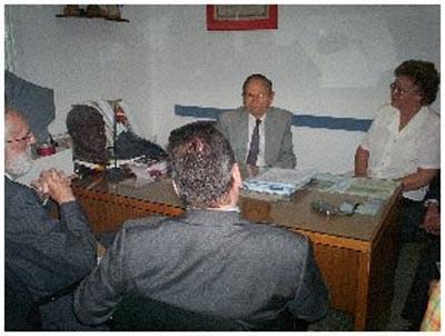 Euskal Herriko Oñatirekin senidetua den Argentinako José C. Paz herria bisitatu du Iñaki Galdos diputatuak