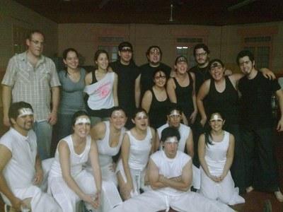 El grupo de teatro 'Aurrera Goaz' del Centro 'Kotoiaren Lurra' del Chaco ofreció su función de fin de año