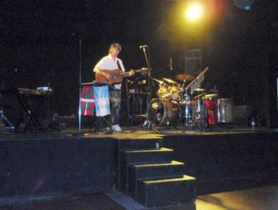 El músico labortano Xabaltx presentó en distintos escenarios argentinos su quinto disco, 'Cymeus'
