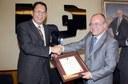 UPV-EHUko errektoreak Filipinetako lehendakariaren Merezimenduaren domina jaso zuen atzo