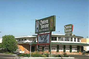 Chateau Basque euskal jatetxe ohia Bakersfield-en (Kalifornia)