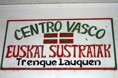 Euskal Sustraiak Basque Club sign at the clubhouse