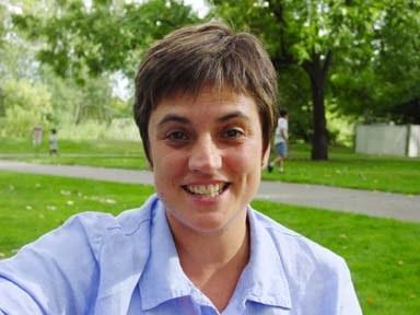 Nere Lete, philologist, teacher and translator-interpreter from Errenteria lives in Boise