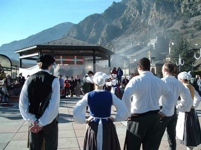 Basque dancers performing in Andorra for the local Basque Club