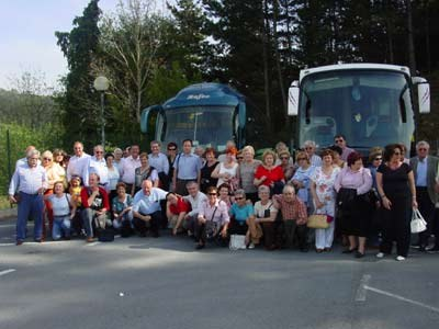 Trip of members of Basque Centers of Spain to the Basque Country. Gathering at Azpeitia (photo EuskalKultura.com)