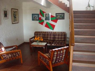 Aspecto interior de la planta baja de la sede vasca minuana (foto EuskalKultura.com)
