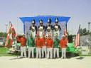 Kaliforniako Chinon 'Besta Berri' dantzatu eta ospatzen dute urtero, edizioz edizio jantziago eta aberatsago