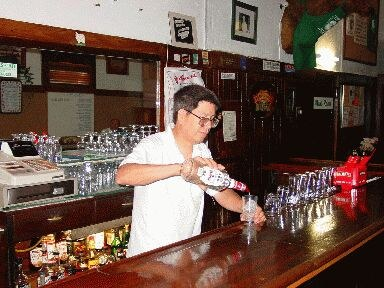 Barra del Pyrenees Cafe (foto EuskalKultura.com)
