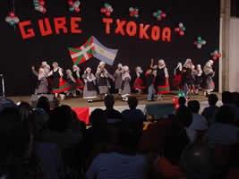 Euskal jaialdia Rauch-en 'Gure Txokoa'k antolatua