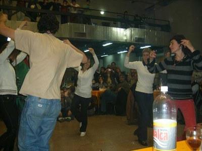 Danzando con ímpetu en la 'Denak Bat' mendocina
