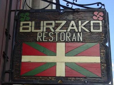 Señal del restaurante Burzako, en el turístico barrio San Telmo de la capital porteña (foto EuskalKultura.com)