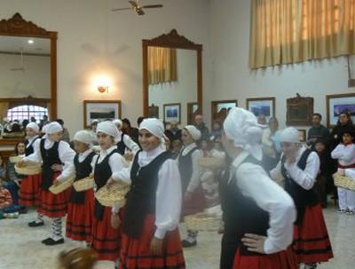 Beti Aurrera Dantza Taldea Chivilcoy Buenos Aires Argentina