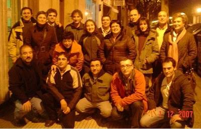 Miembros de Laminiturri reunidos con ocasión de la cena de despedida del año 2007