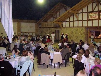 Encuentro y representación dantzari en la euskal etxea riocuartense