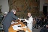 """Matteo Manfredi recibiendo la beca """"Generalitat de Catalunya"""" en 2006."""