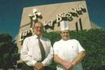 Kaliforniako Vernon herriko La Villa Basque jatetxeko nagusia eta chef ortzaiztarra