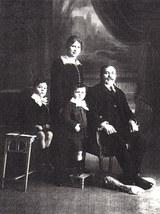 Juan Sabino Larrea Yeregui y parte de su familia