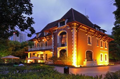 Martin Berasategui, Basque chef with three Michelin stars, has opened a restaurant in Shanghai