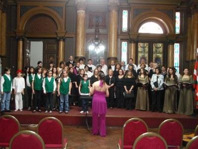 Cinco grupos actuaron en el Primer Encuentro de Coros de Centros Vascos de la Semana Vasca Argentina