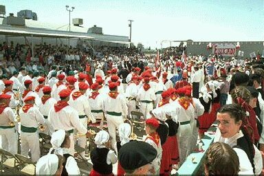 Klika, dancers and public attending the 1994 NABO Convention at the Kern County Basque Club facilities in Bakersfield