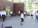 Los Banoseko (Kalifornia) 'Helduak' euskal dantza taldea Renoko euskal jaietan mutxikoak dantzatzen  dantzari