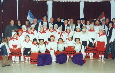 Grupo de Baile del Centro Vasco 'Gure Txokoa' Suipacha Buenos Aires Argentina