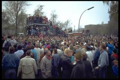 Berlin 1989, people everywhere