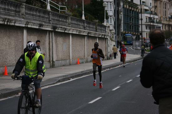 Hosea Kogei korrikalaria Donostiako maratoian