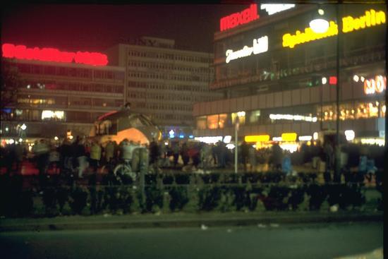 Berlin 1989, people at night