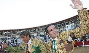 Cuatro orejas para El Cordobés y Emilio de Justo, que demuestran su buen hacer en Cáceres