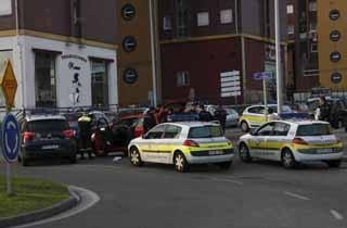 La Policía detiene a un conductor por hacer trompos en El Alisal