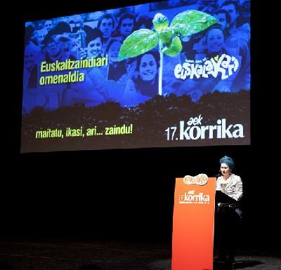 Euskaltzaindiak jaso du Korrika 17ren esker ona