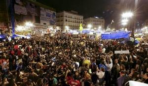 Récord de afluencia de manifestantes en Sol, a favor del 15M