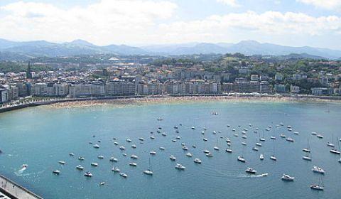 Afirma que <em>San Sebastián y Benidorm se parecen como dos gotas de agua</em>, y no está en un psiquiátrico