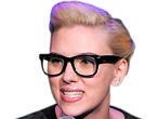 Scarlett Johansson utiliza el clásico modelo «Wayfarer» de Ray-Ban