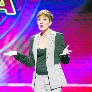 Eva Hache, presentando el 'El club de la comedia'.