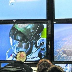 El deportista se convirtió ayer en el primero en romper la velocidad del sonido sin ayuda mecánica.