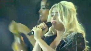 Shakira canta el Waka-Waka embarazada