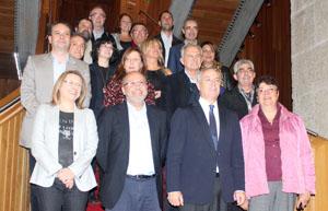 Los portavoces del PSOE, entre los que figura Marisol Soneira – abajo, dcha.– portavoz de Emigración.