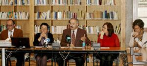 De izda. a dcha.: Anxo Angueira, Rosario Álvarez, Ramón Villares, María do Cebreiro y Dolores Vilavedra, en la presentación del Congreso.