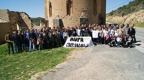 Decenas de cargos y excargos de los ayuntamientos de la Valdorba, ayer en la ermita del Santo Cristo de Cataláin.