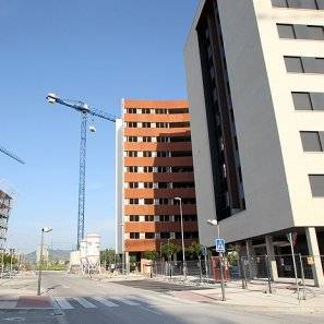 Viviendas en construcción en Erripagaña.