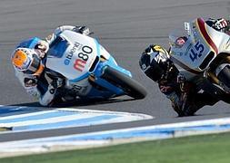 Lorenzo sorprende a Márquez en los primeros libres