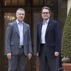 Iñigo Urkullu recibe a Artur Mas a las puertas de Ajuria Enea