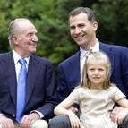 El rey, el príncipe de Asturias y la infanta Leonor.