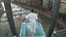 Vídeo del aurresku en la plataforma de saltos a 27 metros en Bilbao  Deportes